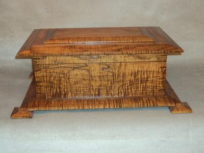 Prairie Schooner Quarter-Sawn Hickory Humidor | Handcrafted Humidors