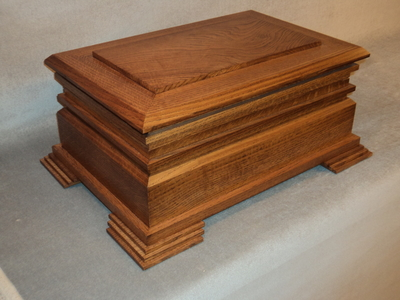 The Artisan Arts & Crafts Quarter-Sawn Oak Humidor | Handcrafted Humidors